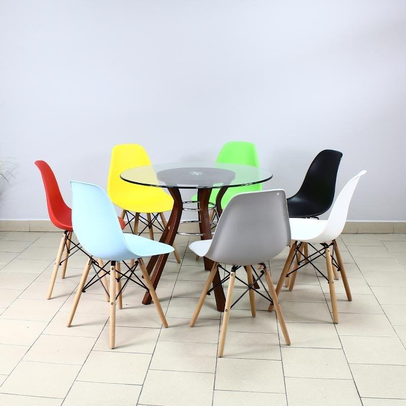 Aranzacja krzeseł currio