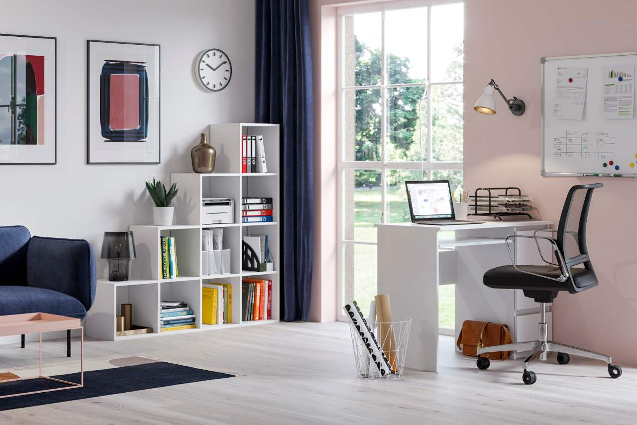 Regał schodkowy pitagoras biały oraz biurko heini biały mat wizualizacja