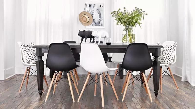 Krzesła currio